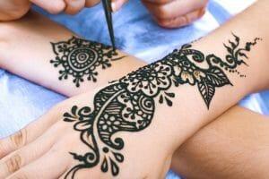 remoção de tatuagem de henna