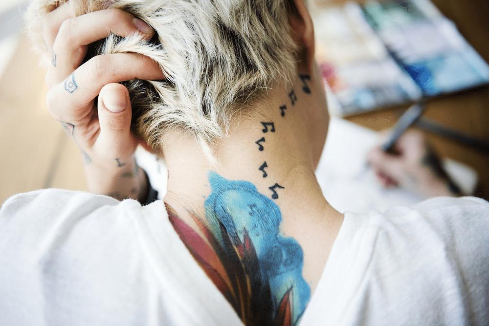 principais mitos sobre remoção de tatuagem