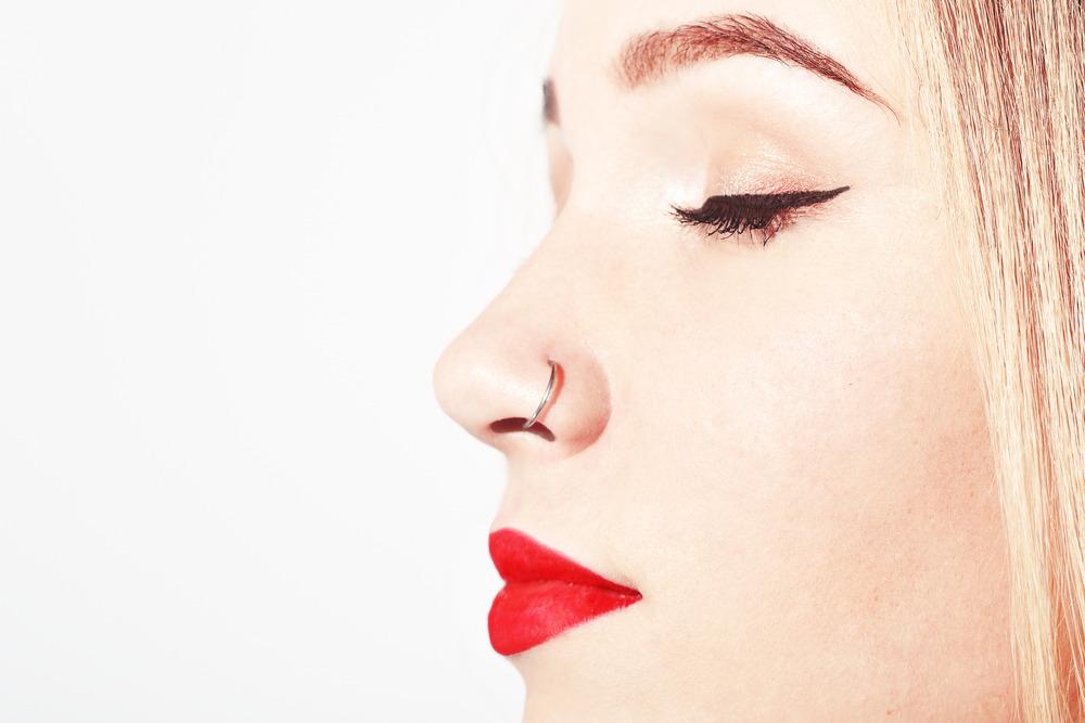 infecção no piercing do nariz