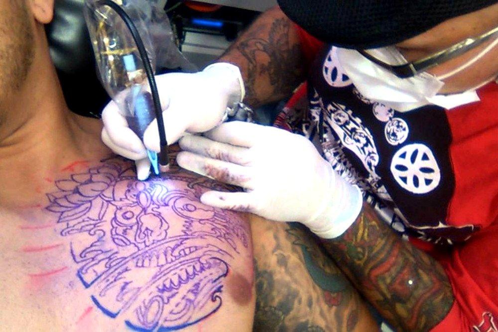 riscos ao fazer tatuagem