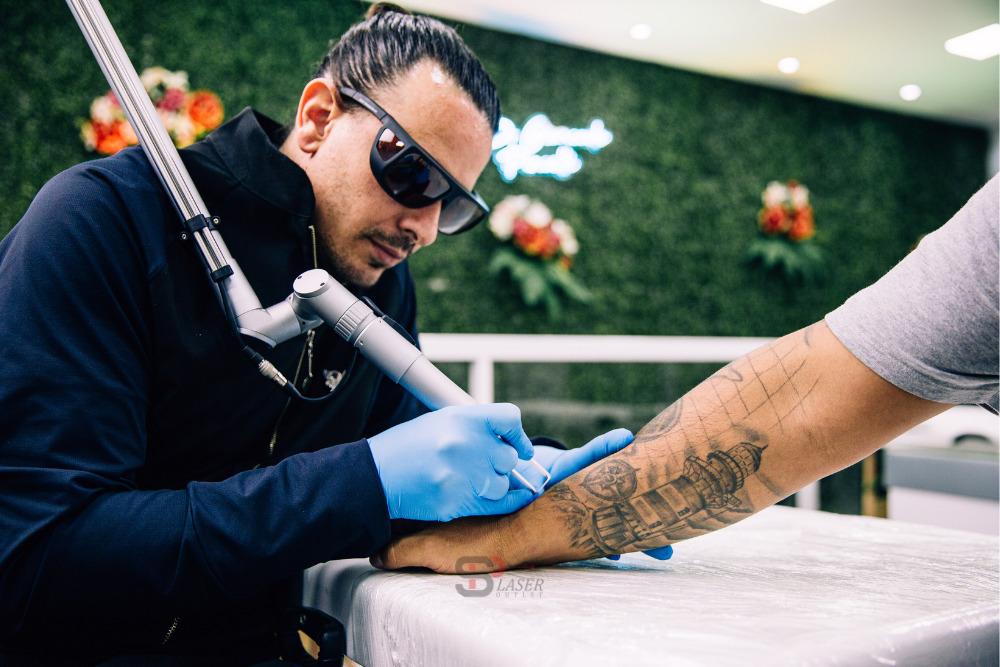 como o laser age na pele